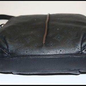 Louis Vuitton Bags - Louis Vuitton Mahina Selene PM Noir, M94035